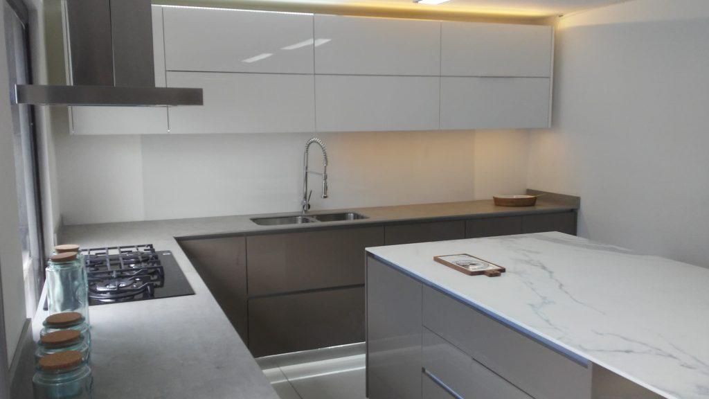 Cocina Moderna - en Alto brillo - BM Diseño